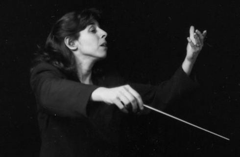 Dorothy Savitch conducting